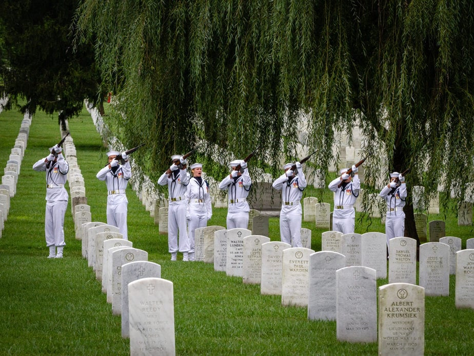 US Navy Firing Party in Section 12A Arlington National Cemetery | Arlington media, inc.