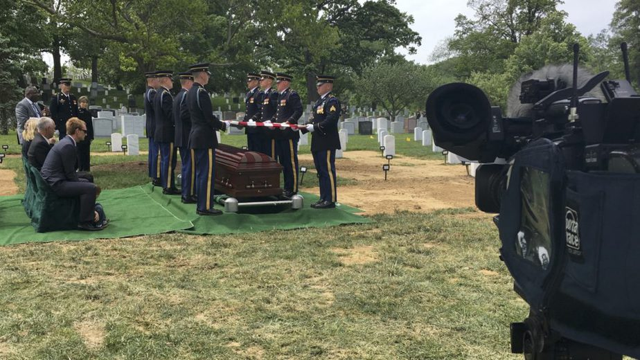 Arlington National Cemetery Section 8A with the US Army live streaming | Arlington Media, Inc.