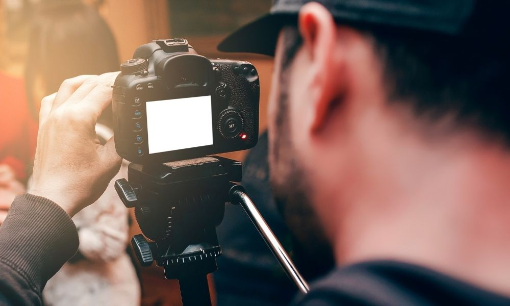 Read more about the article Reasons To Hire a Videographer for a Funeral at Arlington